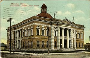 Meridian race riot of 1871 - A postcard of the Lauderdale County Courthouse, where Moore arranged a meeting encouraging freedmen in self-defense