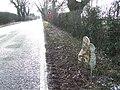 Old Milepost - geograph.org.uk - 1701874.jpg