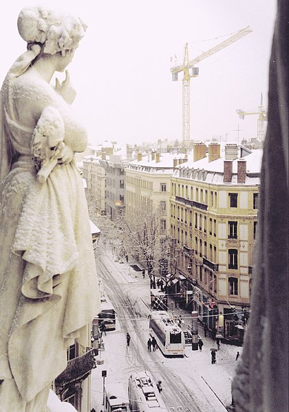 File:Opera muse rue de la re.jpg