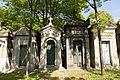 Père-Lachaise - Division 69 - Avenue de la chapelle 05.jpg