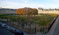 P1140404 Paris III-IV square Louis XIII place des Vosges rwk.JPG