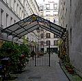 P1220899 Paris XI rue fbg-st-Antoine n71 cour des shadoks rwk.jpg