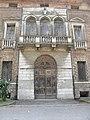 Palazzo Perolari-Malmignati, facciata, particolare (Lendinara).jpg