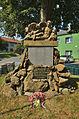 Památník obětem světových válek - detail, Slatinky, okres Prostějov.jpg