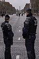 Parijs - politie op de Champs-Elysées.jpg