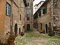 Per le vie del borgo antico - panoramio.jpg