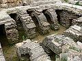 Perge - Caldarium 2 Hypokaustengewölbe.jpg