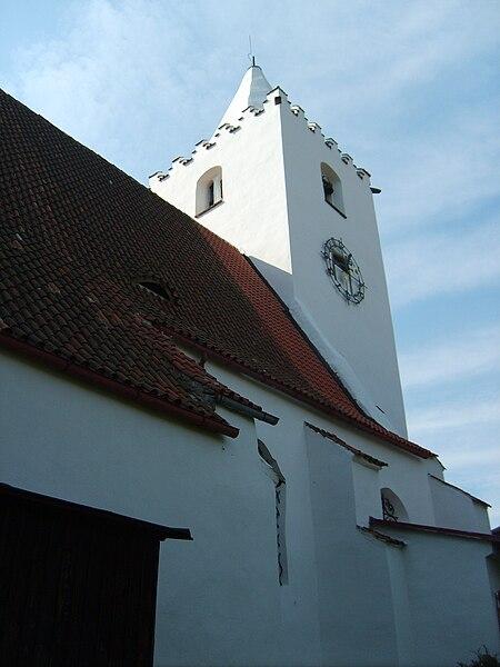 kostel sv. Petra a Pavla v Petrovicích