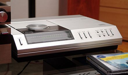 Philips CD-100, the second ever commercially released CD player (after partner Sony's CDP-101) Philips CD-100.JPG