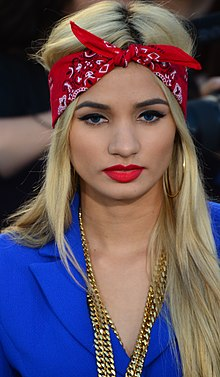 Pia Mia March 18, 2014 (cropped).jpg