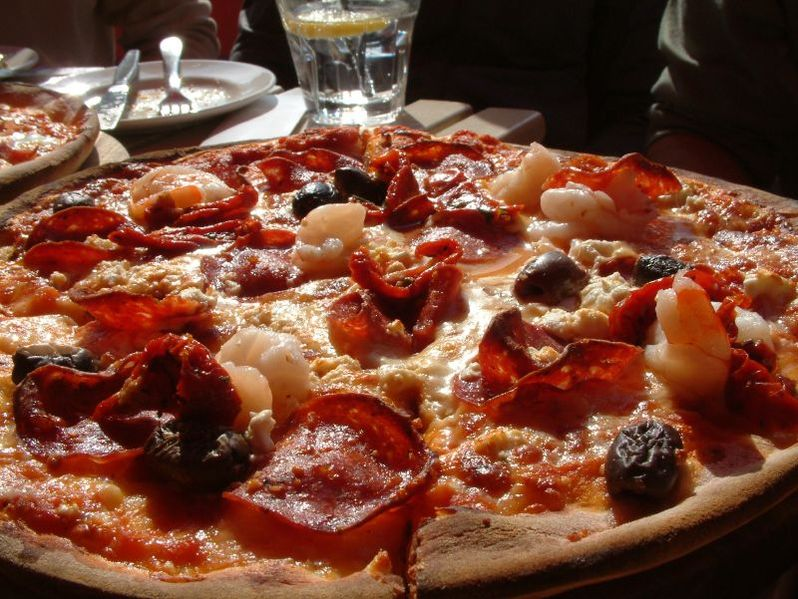 File:Pizza Port Melbourne.jpg