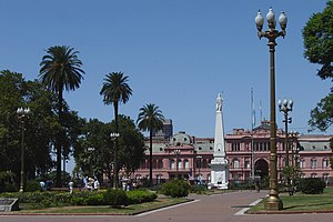 bUENOS aIRES tOUR - Página 3 300px-Plaza_de_Mayo_EZ