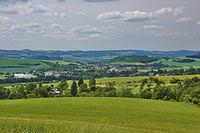 Pohled na Rájec-Jestřebí z cesty mezi Karolínem a Ráječkem, okres Blansko.jpg