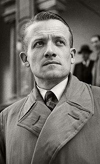 Portrait of Henri Frenay, head and shoulders ppmsca.13371 edit.jpg