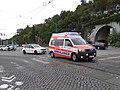 Průvod tramvají 2015, 40 a 41 - ambulance SOSAN a pohotovostní automobil DPP.jpg