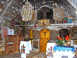 RO BN Runcu Salvei wooden church inside 15.jpg