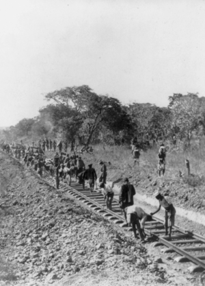 카브웨: Rhodesian Railways under construction near Broken Hill Zambia