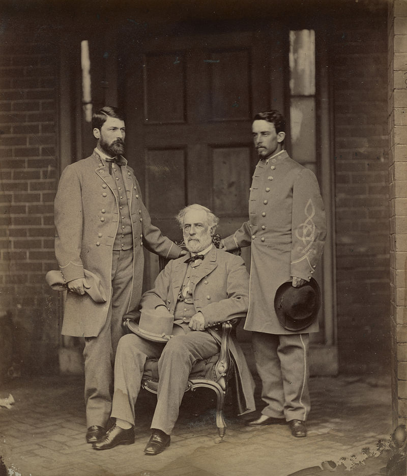 Robt E Lee %26 Staff by Brady, 1865.jpg