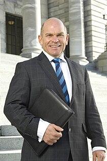 Rodney Hide at parliament.JPG