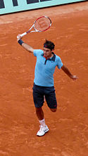 Roger Federer at the 2009 French Open 7.jpg