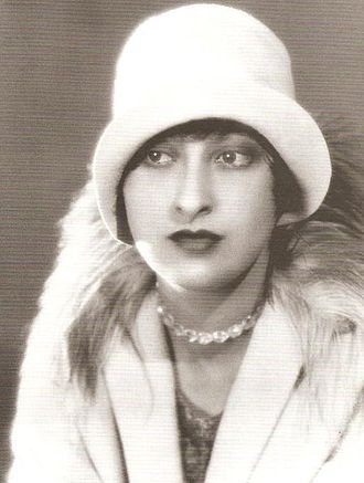 Ruth Harriet Louise - Ruth Harriet Louise (self-portrait)