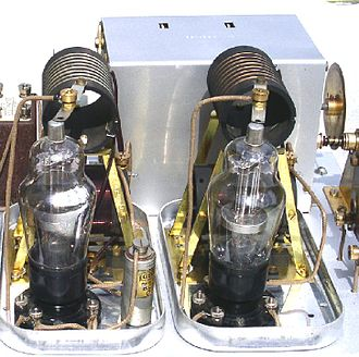 Tetrode - Two S23 screen-grid valves in a 1929 Osram Music Magnet receiver