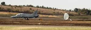 File:SAAF-BAE Hawk-Drogue parachute-001.ogv