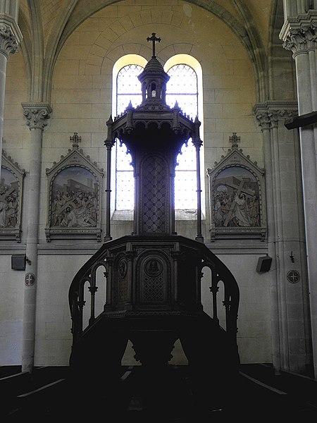 Saint-Germain-d'Anxure (53). Intérieur de l'église. Chaire.