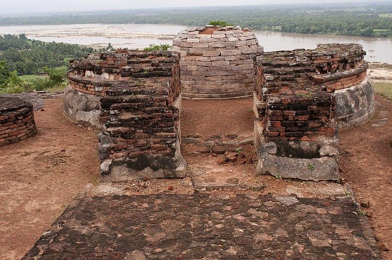 File:Salihundam Historic Buddhist Remains 6 by GPuvvada 2010.jpg