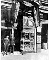 Sam Weisfield jewelry store, 304 Union St, ca 1919 (SEATTLE 1598).jpg
