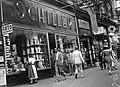Schiller és Lőbl boltja, Erzsébet körút 42 részlet. Fortepan 25559.jpg