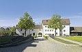 Schlosshofen Außenansicht 2017 Raitenauerhaus Innenhof.jpg