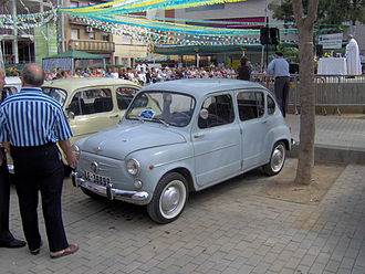 Fiat 600 - SEAT 800, the sole four-door derivative