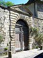 Senlis (Oise), portail dans la rue de Meaux.jpg