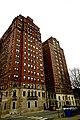 Shoreline Apartments (Chicago, IL).jpg