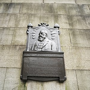 Walter Besant - Image: Sir Walter Besant memorial near the Waterloo bridge