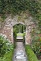 Sissinghurst Gardens 5 (4907286447).jpg