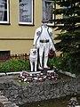 Skansen w Chabówce - posąg górala.JPG