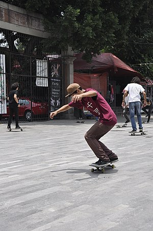 Ollie (skateboarding) - Image: Skateboarding at Mexico City Ollie 032