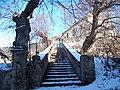 Slatina u Velvar, schody a kostel (01).jpg
