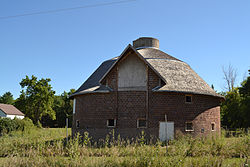 Slayton Farms Round Barn Wikipedia