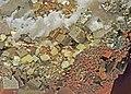 Soufre, pyrite et calcite (Santa-Eulalia, Mun. de Aquiles Serdán, Chihuahua - Mexico) 1.jpg