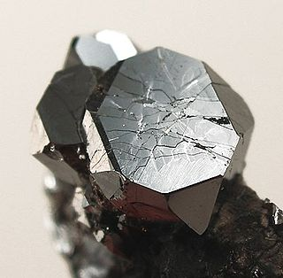 Sperrylite sulfide mineral
