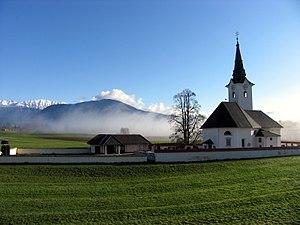 Srednja Dobrava - Local church