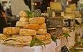 Stand de fromages à Gréoux-les-Bains.jpg