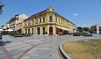 Valjevo - Image: Stara čaršija Tešnjar, hotel Grand