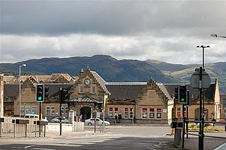 Stirling railway station (Scotland) - Image: Stirling Railway Station geograph.org.uk 525924