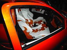 Professionell angefertigte Sitzbezüge in einem Opel Corsa B