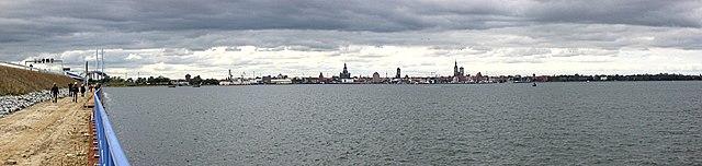 Stralsund Panorama 2007-10-20a.jpg