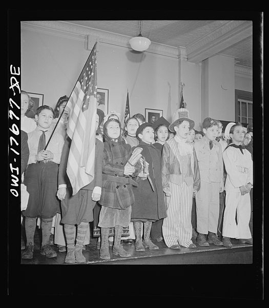 File:Students pledging allegiance to the flag in public school eight 8d25794v.jpg